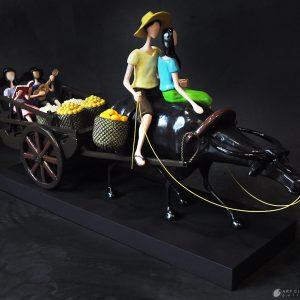 Code: 19627 Title: Pamilya Size: 33x19x9.5in Medium: Sculpture